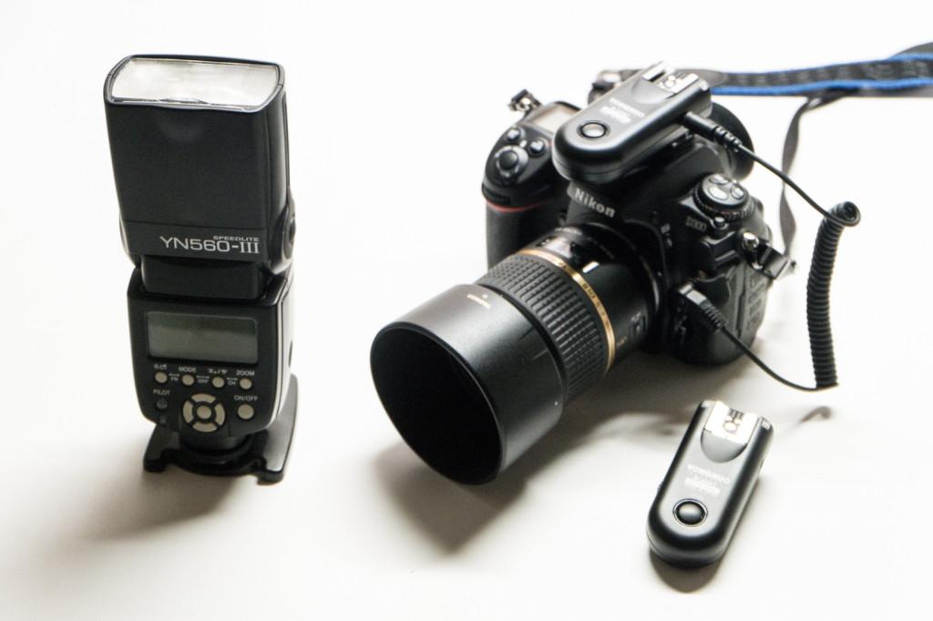 付属のケーブルでカメラとラジオスレーブを接続イメージ画像