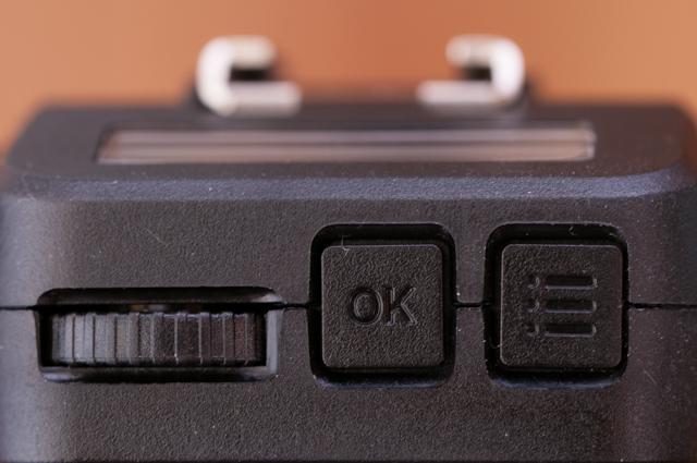 選択ダイヤル、OKボタン、メニューボタン