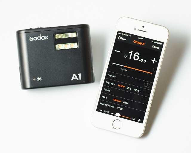 iPhoneSEとGodoxA1を並べてのイメージ