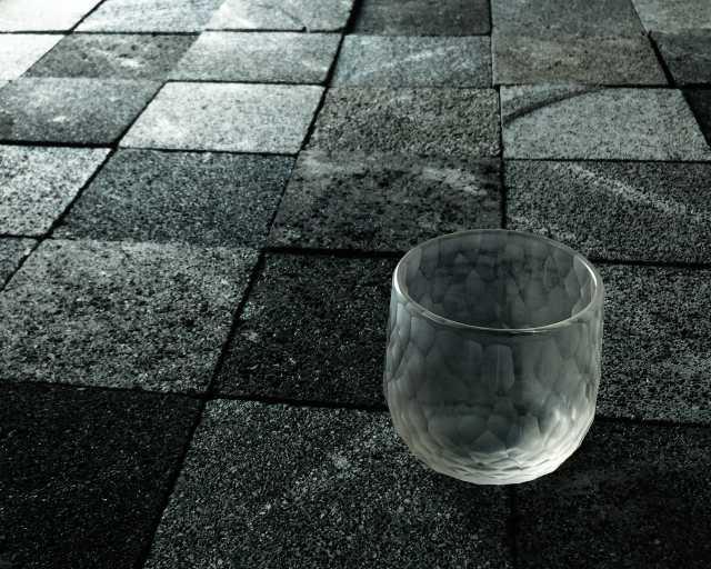 iPhoneSSE+Godox A1による撮影例(青樹舎硝子工房を主宰するガラス作家貴島雄太朗氏の作品「削紋」)